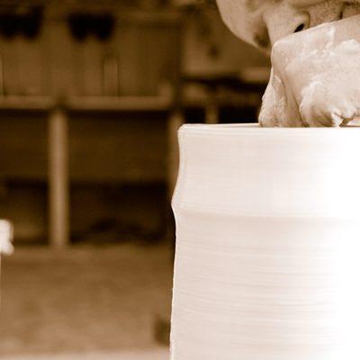 s'inscrire à un stage de tournage céramique à Paris - Rémi Fontaine